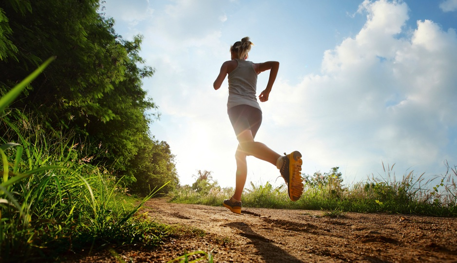 woman-running-trail